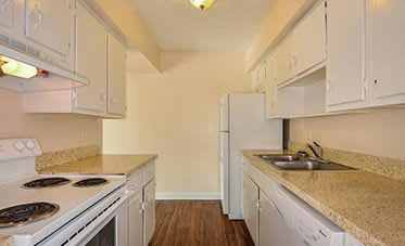 Great kitchen amenities at Townsend Apartments