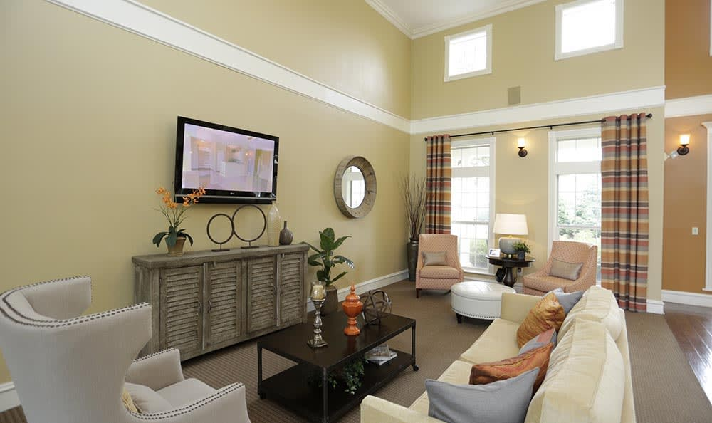 Clubhouse at Lexington Farms Apartment Homes in Overland Park