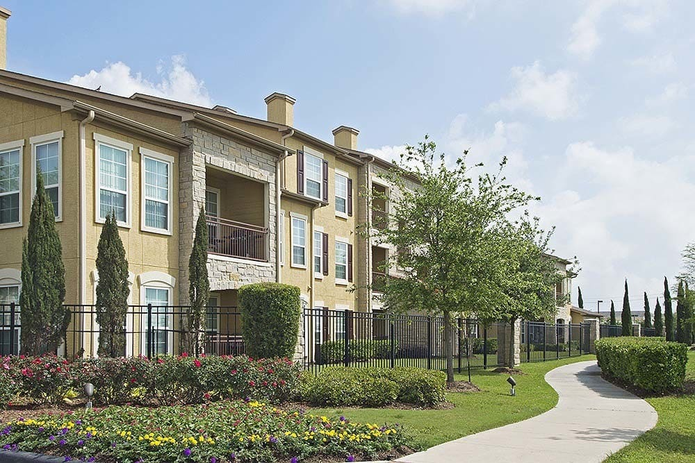 Beautiful apartment homes at Amalfi at Tuscan Lakes