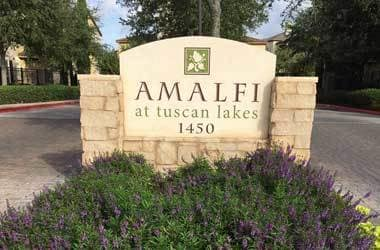 Entrance to Amalfi at Tuscan Lakes
