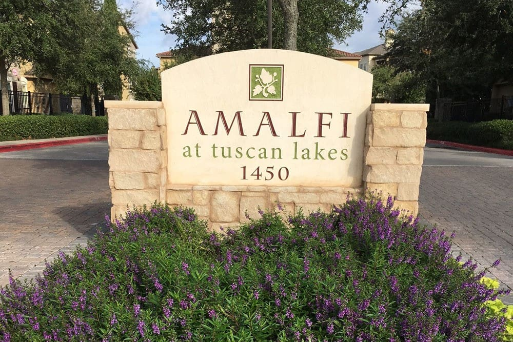 Amalfi at Tuscan Lakes Entrance Sign