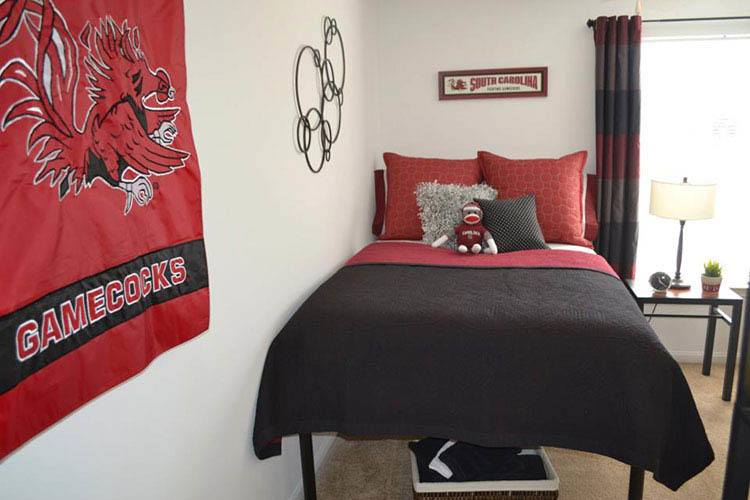 Bedroom at Stadium Suites in Columbia
