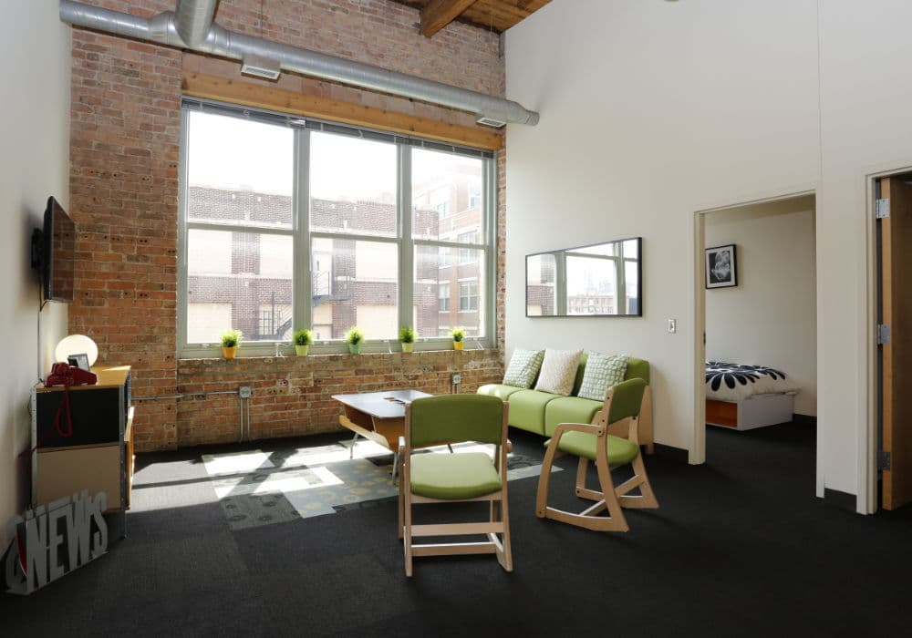Commons area at The Automatic Lofts in Chicago, IL