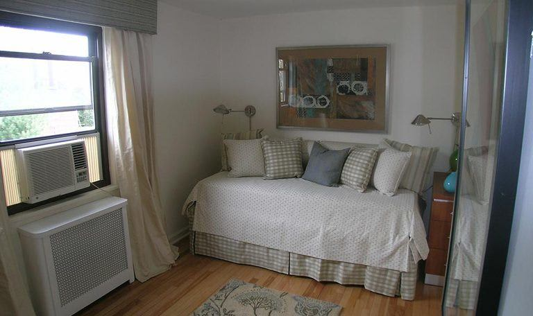 Bedroom in Clifton that are air conditioned