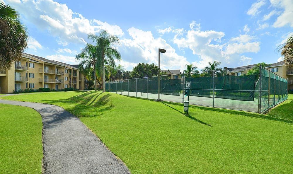 Tennis Courts at Palmetto Place Apartments in Kendall Miami