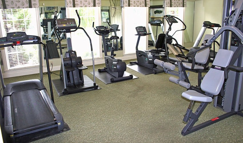 When the workday is done and you want to relieve some stress, our 24-hour fitness center at The Vinings at Newnan Lakes is the perfect place.