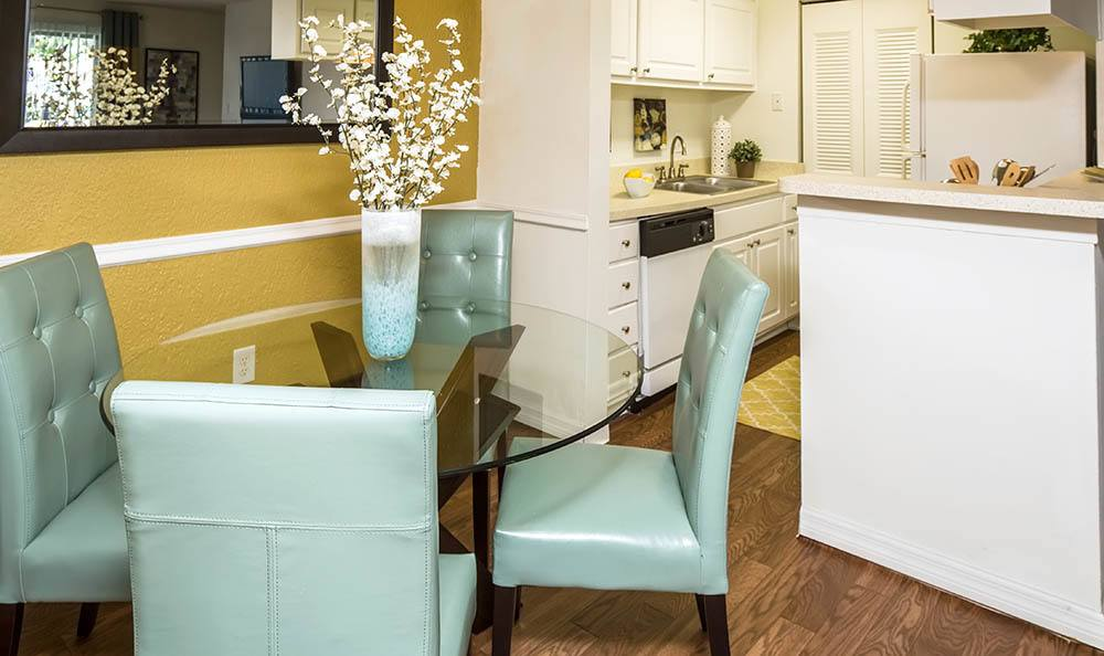 Dining room at Countrywood Apartments in Tampa, FL
