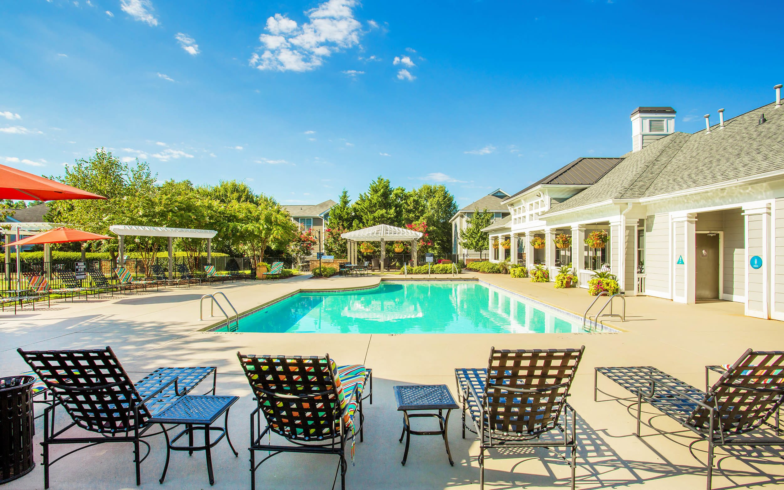 Swimming Pool and Lounge area at The Seasons at Umstead in Raleigh, North Carolina
