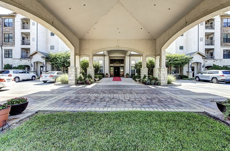 The grand architectural style of our portico front entrance at Conservatory At Keller Town Center won't fully prepare you for the luxury that awaits you inside our senior living community in Keller.