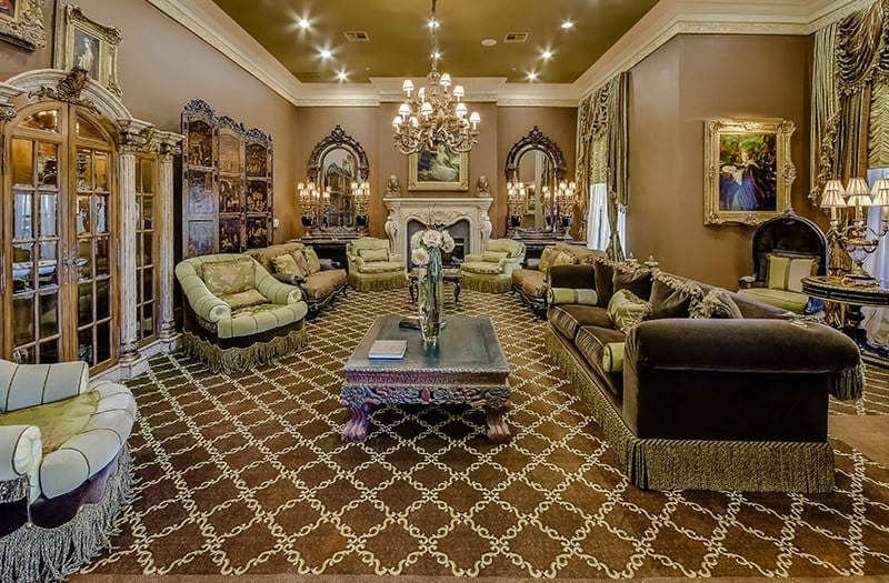 Our lobby here at Conservatory At Champion Forest is a wonderful place to meet our staff and get a great feel for the hospitality of our senior living community in TX.