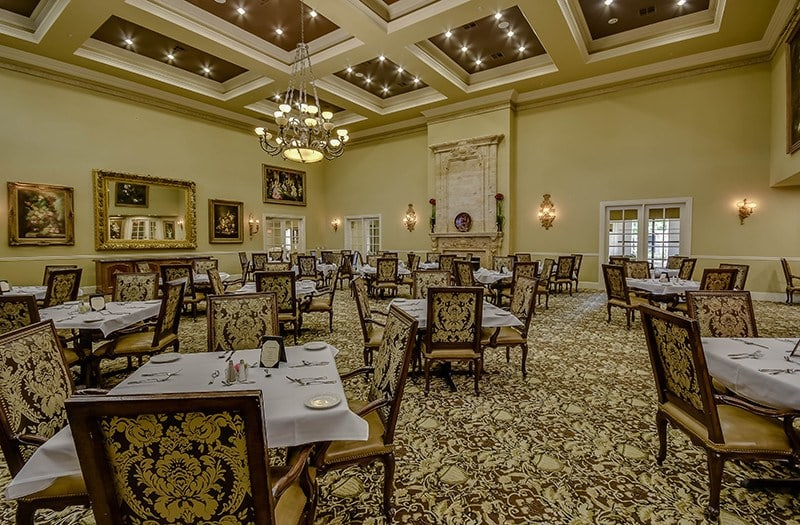 When lunch or dinnertime roll around, get ready for fantastic, chef-prepared meals here at Conservatory At Alden Bridge.