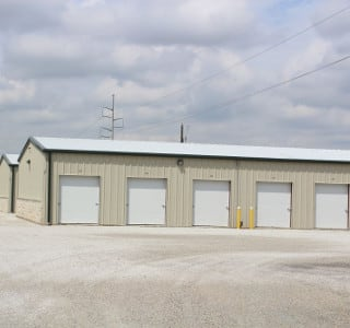 Ganbury Storage With Large Driveways