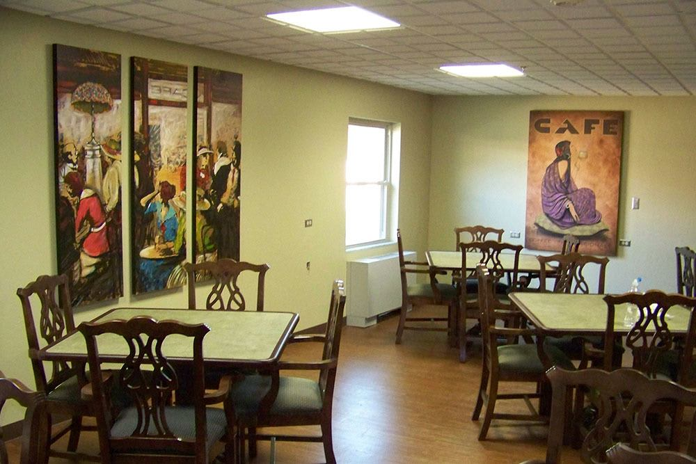 Enjoy a delicious meal at PARCway Post Acute Recovery Center