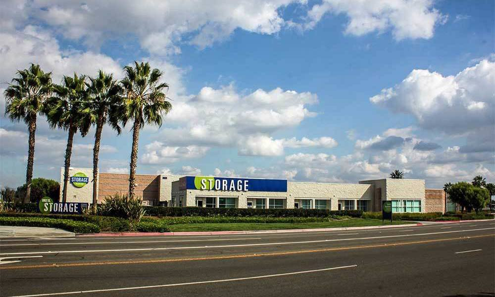 Large Buena Park Self Storage Units Exterior Of Facility