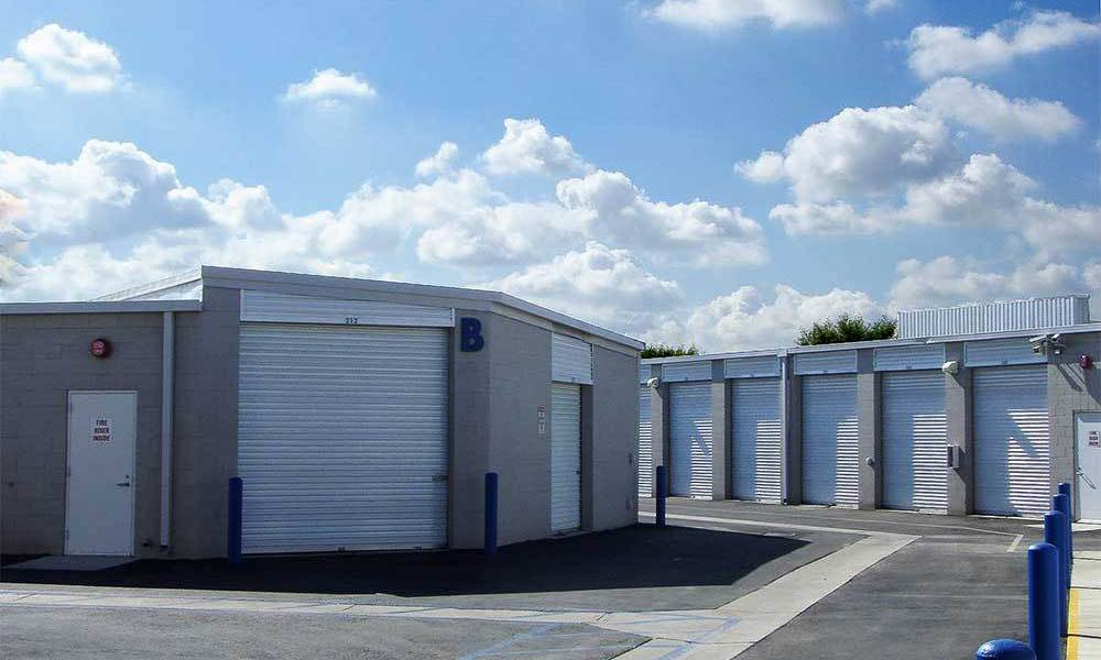 Large Street View Self Storage Units In Buena Park