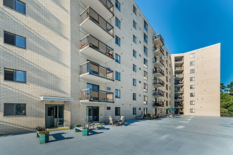 Apartments at Maiden Bridge & Canongate Apartments in Pittsburgh, Pennsylvania
