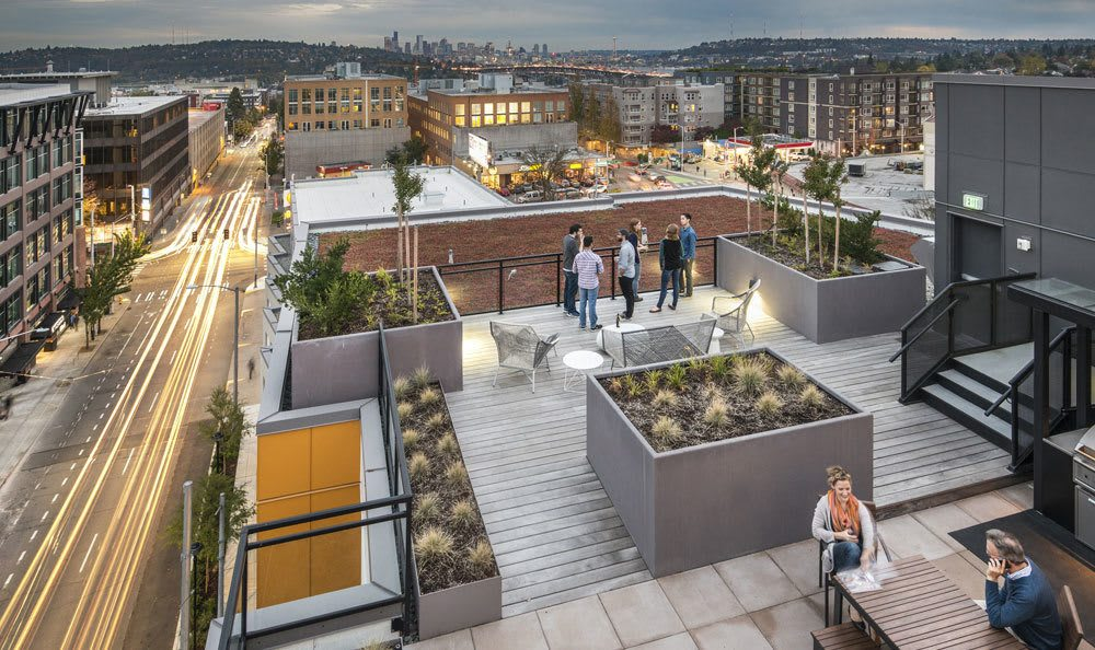Rooftop amenities at our apartments in Bridges@11th in Seattle