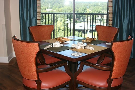 Senior living dining at Woodland Heights