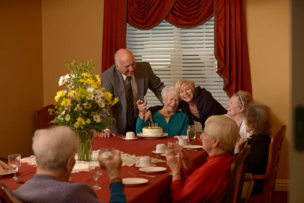 Group of residents dining at Symphony at St. Augustine in St Augustine, Florida.