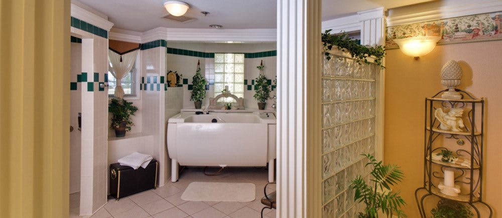 Senior living in Fayetteville includes luxurious bathrooms.