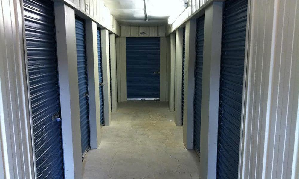 Self storage units available for rent in Roanoke, VA.