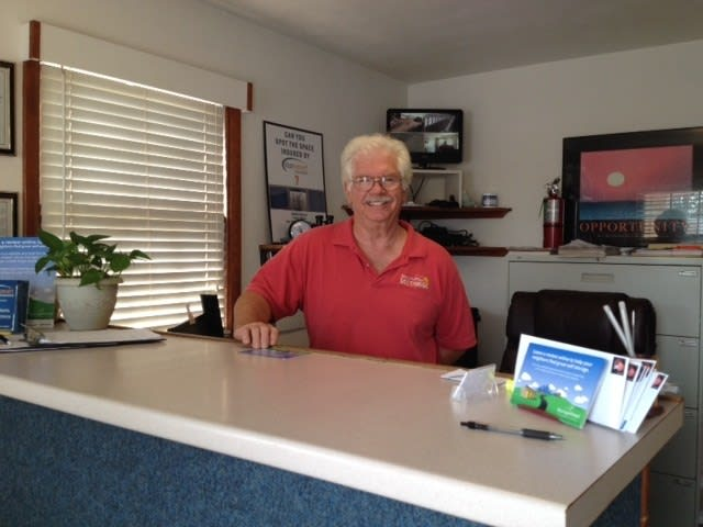 Let our professional staff show you around our self storage facility in Virginia