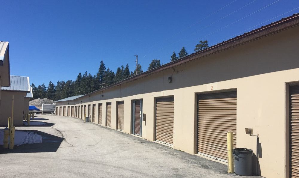 Self storage in Big Bear, CA with wide aisles