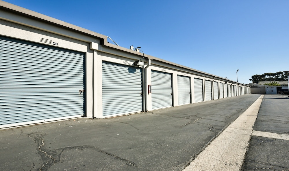 Large drive up units at Channel Islands Self Storage in Port Hueneme, CA