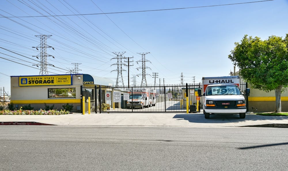 Golden State Storage facility and U-haul rentals in Northridge