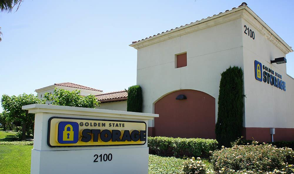 self storage in oxnard california sign