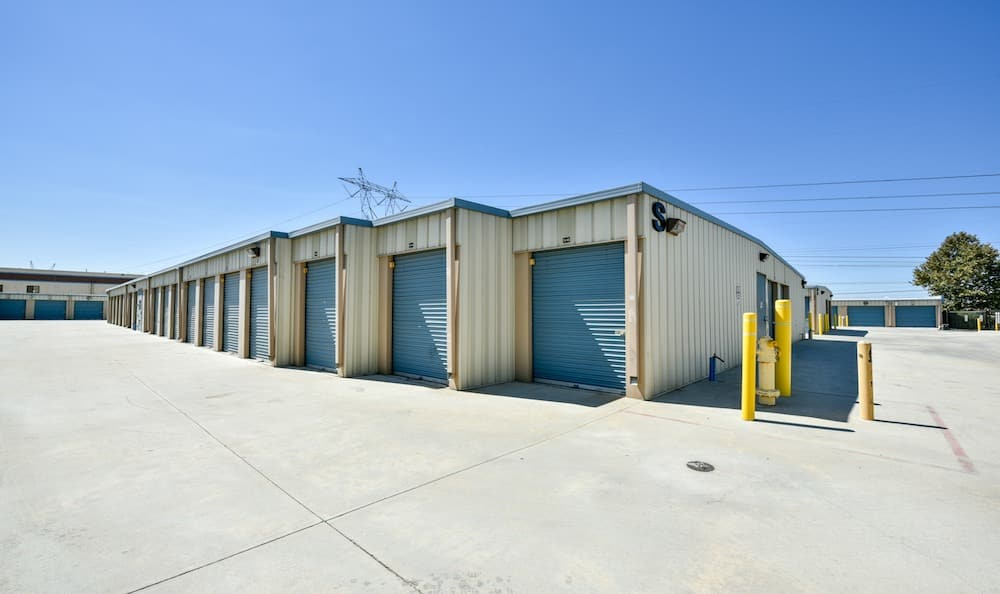 Drive up units at our storage facility on Oak Avenue in Santa Clarita