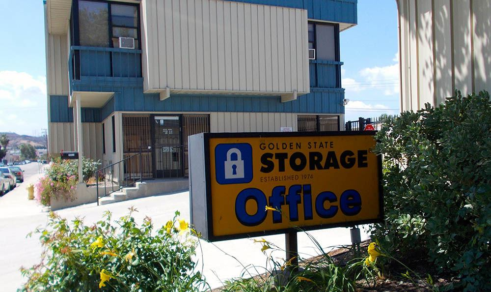 self storage in santa clarita california sign