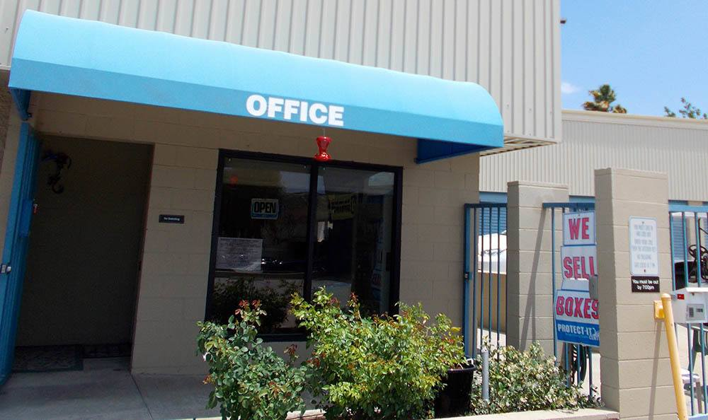 front office at self storage in santa clarita california
