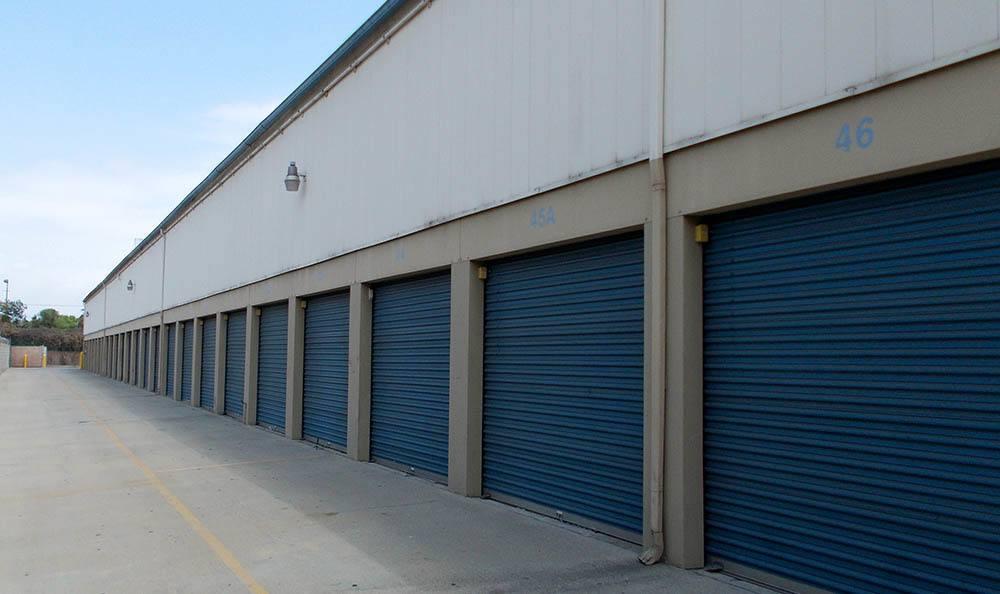self storage in north hills california units