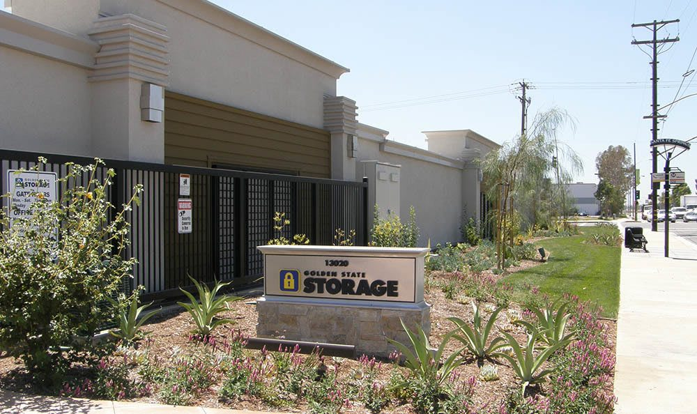 self storage in santa fe springs california front door