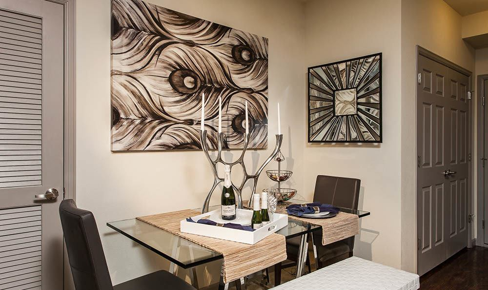 Dining room At Harvest Station Apartments In Broomfield CO