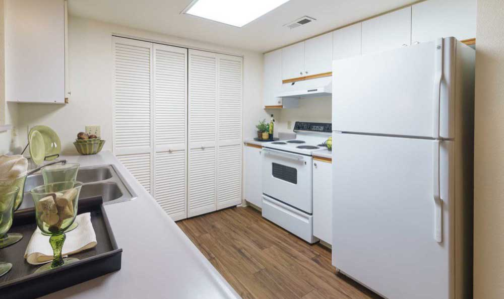 Example kitchen at Arbor Crossing Apartments