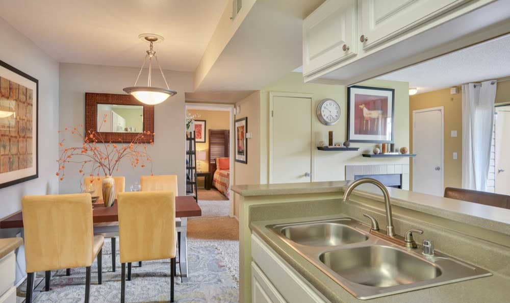 Dining area and Kitchen at Sienna at Cherry Creek apartments for rent in Denver