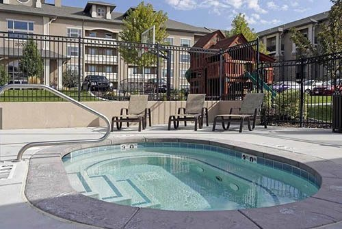 Hot Tub at Meadowbrook Station Apartments