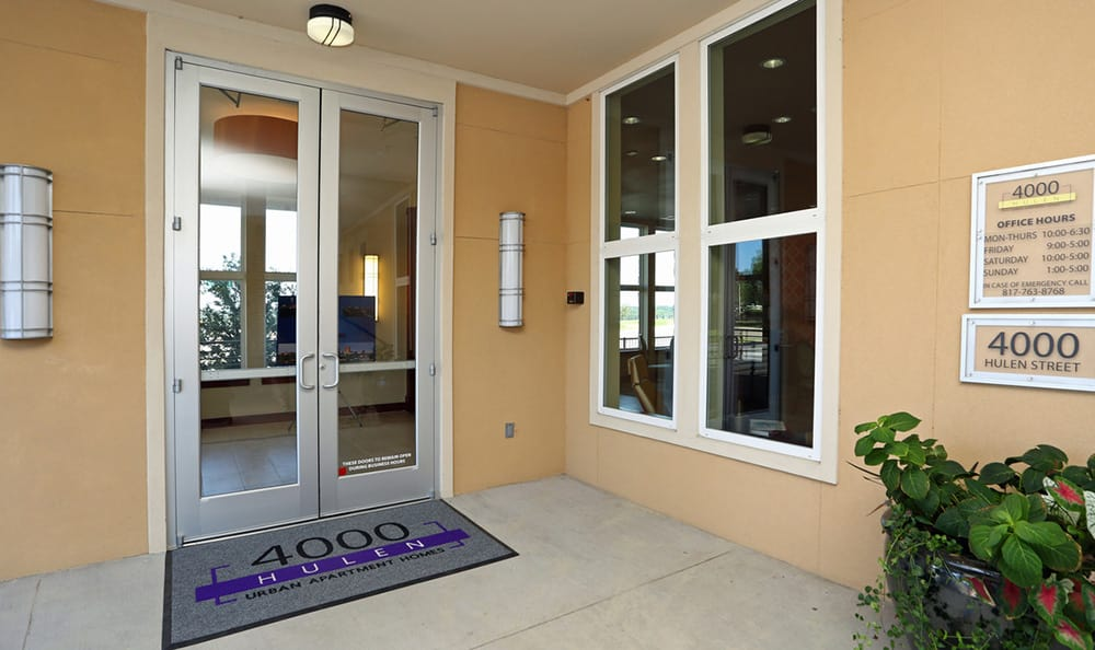 Exterior entrance to the 4000 Hulen Urban Apartment Homes leasing office