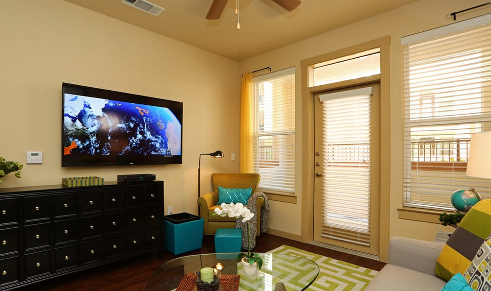 Spacious and well-decorated living room at 4000 Hulen Urban Apartment Homes