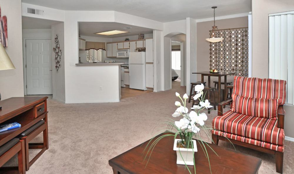 The Links at High Resort offers a beautiful living room in Rio Rancho, New Mexico