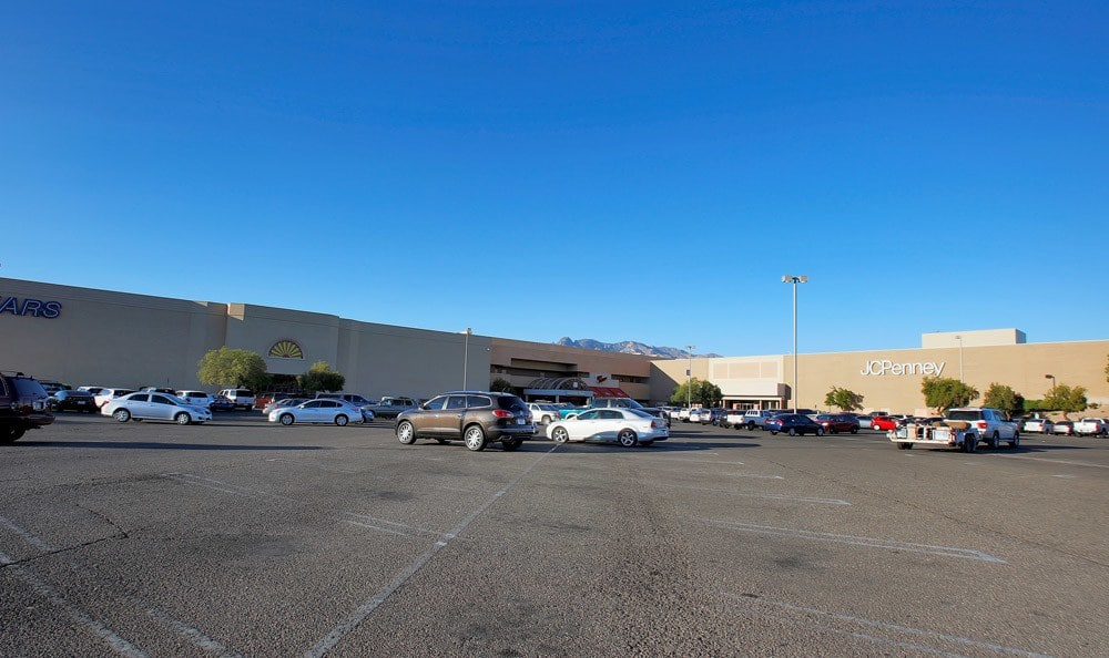 Parking in Mall At Arches at Oracle Apartments In Tucson AZ