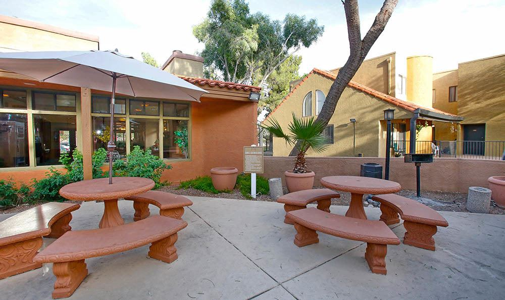 BBQ & picnic tables at Arches at Oracle Apartments in Tucson, AZ