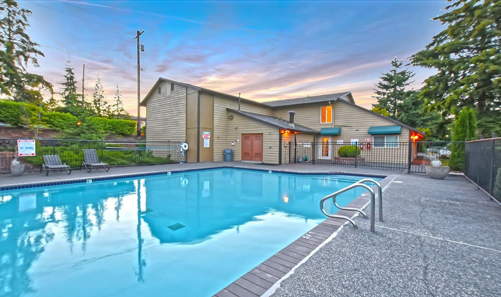 Large pool area At Copperstone Apartment Homes In Everett WA