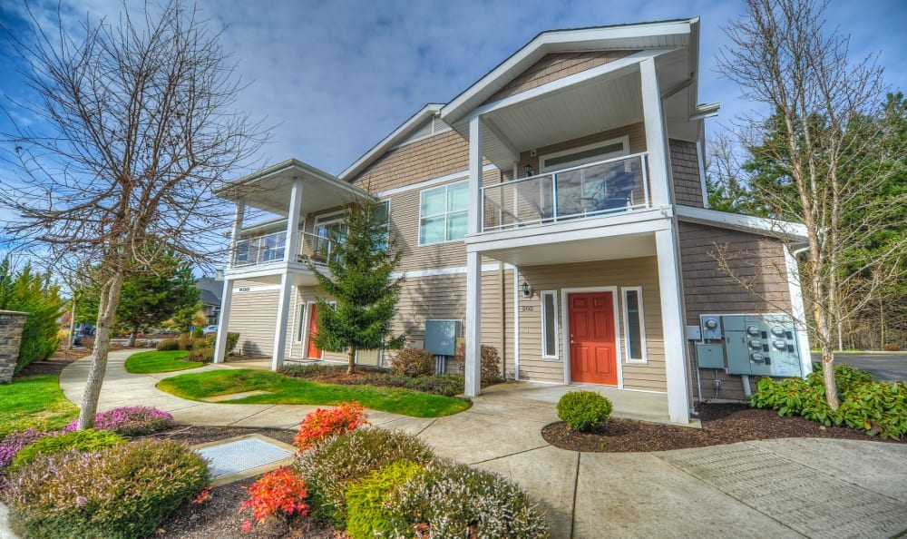 Exterior of Apartments At Sierra Sun In Puyallup WA