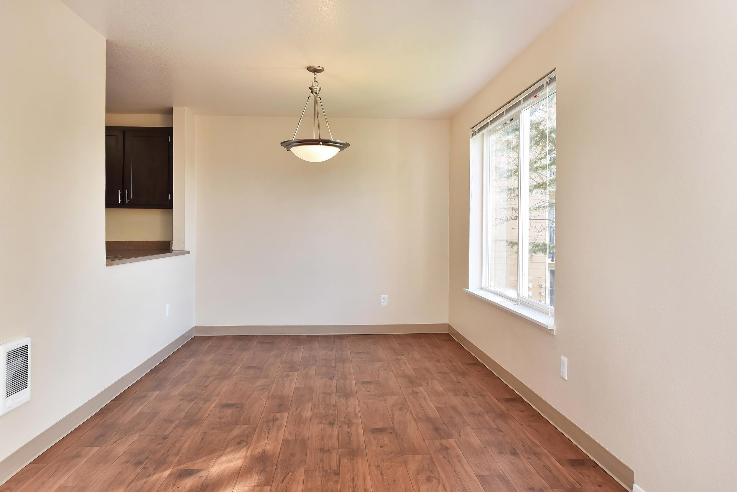 Spacious living room at apartments in Clackamas, Oregon