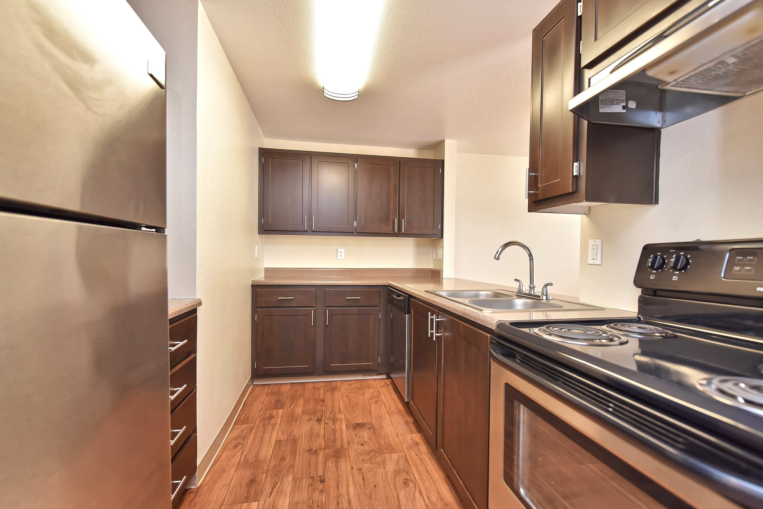 Kitchen at Preserve at Sunnyside Apartments in Clackamas, Oregon