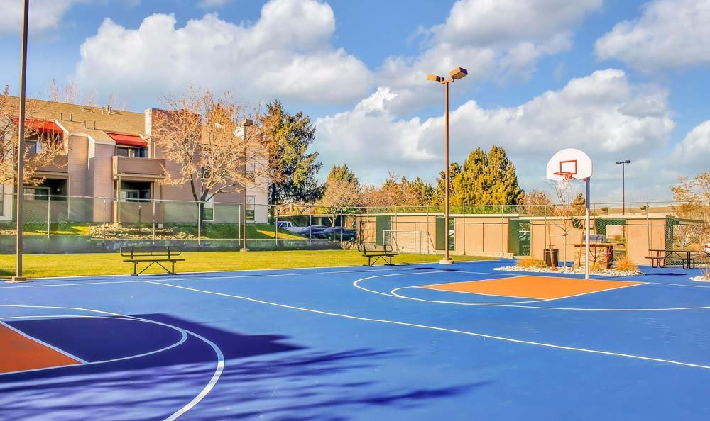 Basketball court At The Lodge at McCarran Ranch Apartment Homes In Reno NV