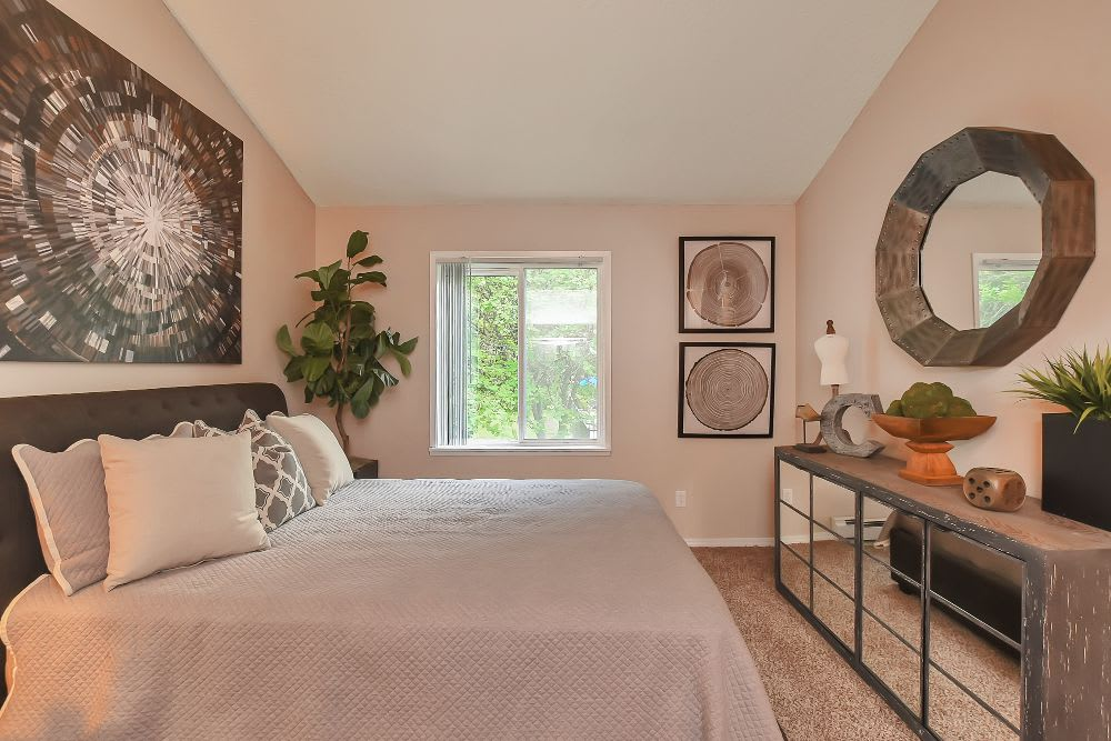 Comfortable bedroom at Lakeside Landing Apartments